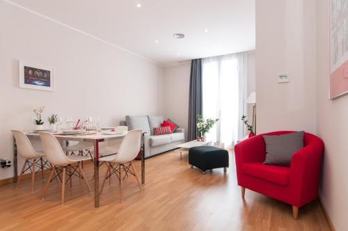 Pelayo Deluxe Apartments photo 16