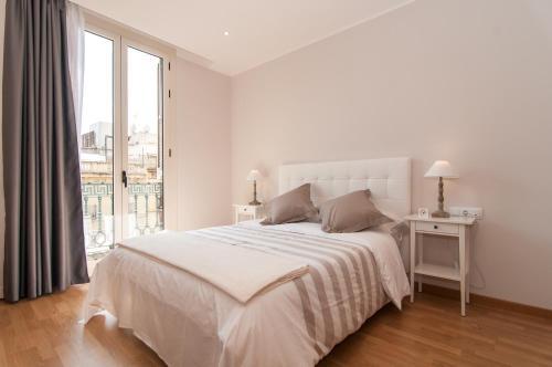 Pelayo Deluxe Apartments photo 26