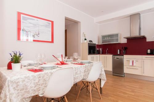 Pelayo Deluxe Apartments photo 29