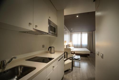 Suites Viena Plaza de España - image 4