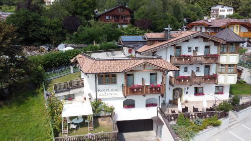 Chalet Campiglio Imperiale Garnì - Hotel - Madonna di Campiglio