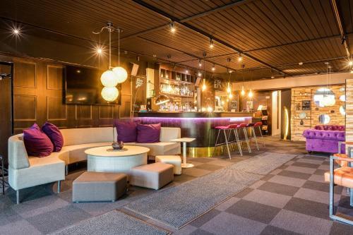 . Samantta Hotel & Restaurant