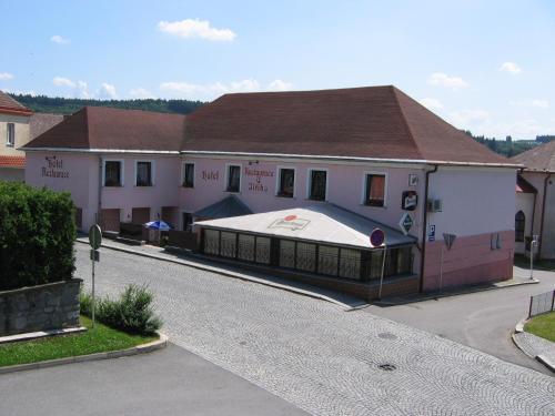 . Hotel U Jiřího