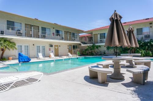 California Suites Hotel - San Diego, CA 92117