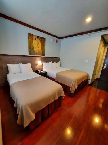 LIC Hotel - image 13