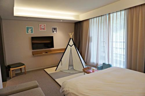 [KIDS ROOM] Superior Double (2 Adults + 1 Kid under age 7)