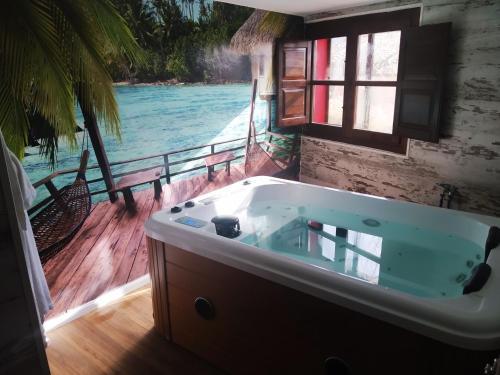 King Room with Spa Bath Hotel Real Posada De Liena 1