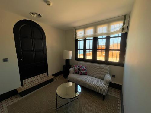 Suite Junior con vistas al mar Soho Boutique Castillo de Santa Catalina 18