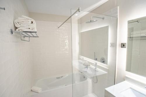 Habitación Doble Deluxe - 1 o 2 camas Soho Boutique Castillo de Santa Catalina 66