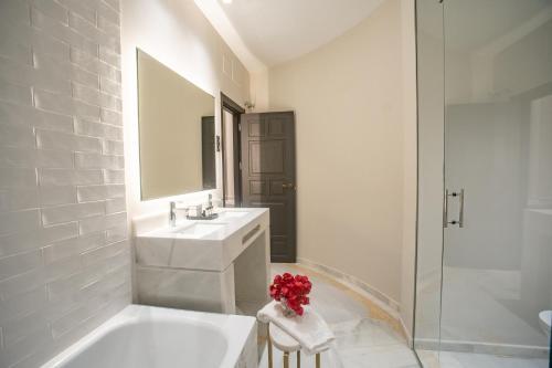 Habitación Doble Deluxe - 1 o 2 camas Soho Boutique Castillo de Santa Catalina 67