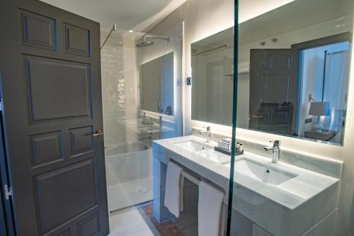 Habitación Doble Deluxe - 1 o 2 camas Soho Boutique Castillo de Santa Catalina 70