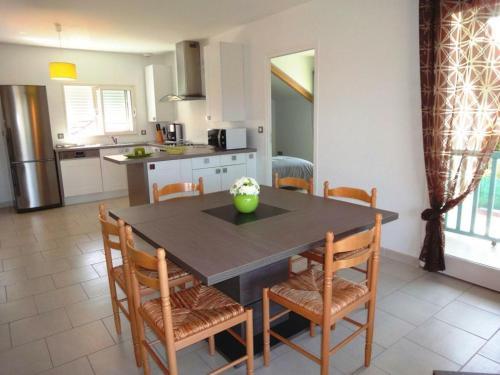 . Appartement Salies-de-Béarn, 3 pièces, 4 personnes - FR-1-384-717