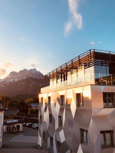 . Cubo Sport & Art Hotel