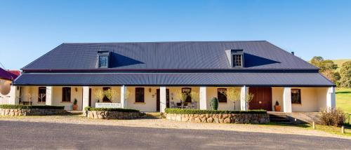 Brigham House - Accommodation - Tooma