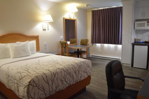 Canadas Best Value Inn & Suites-Castlegar - Hotel