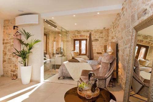Luxury Studio Apartment Eminence Split in the old center of Split on Pjaca square - image 4