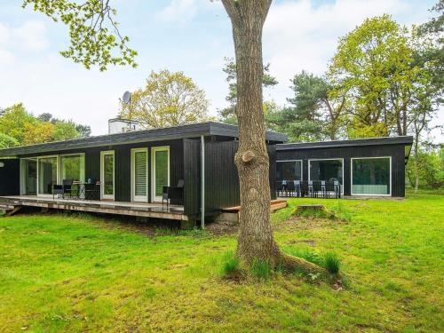 . Five-Bedroom Holiday home in Knebel 1