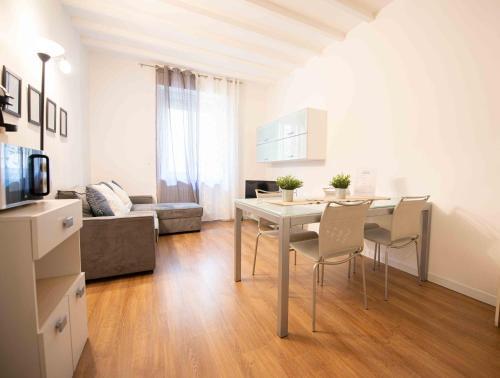 Leoncino Apartment, Pension in Verona