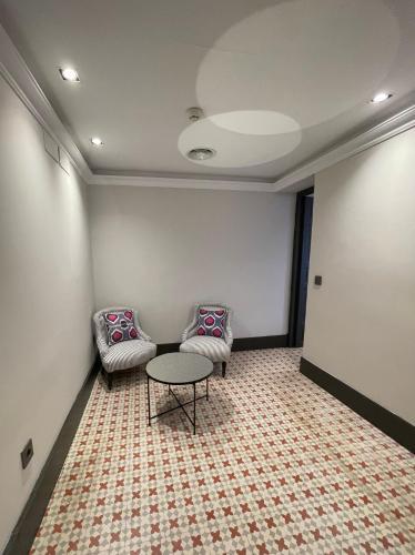 Suite de 2 dormitorios Soho Boutique Castillo de Santa Catalina 9