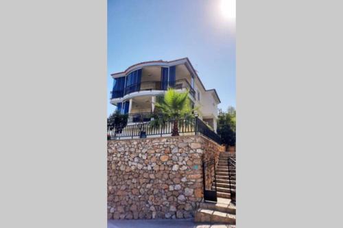 Groundbase apartment of private Villa in Residence - Apartment - Konakli