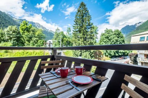 Modern apt with balcony in the center of CHAMONIX Chamonix