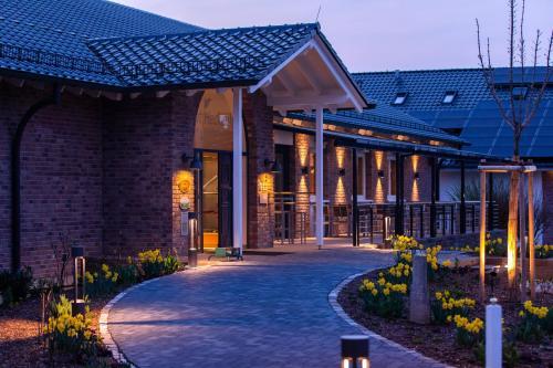 . Gut Heckenhof Hotel & Golfresort an der Sieg GmbH & Co. KG