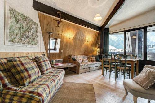 Apartment Lachenal - Alpes Travel - Central Chamonix (sleeps 4) Chamonix