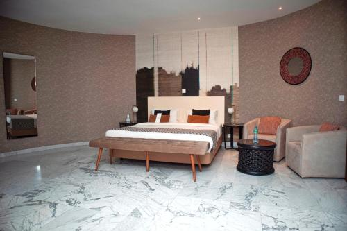 . THE PALMS Luxury Boutique Hotel