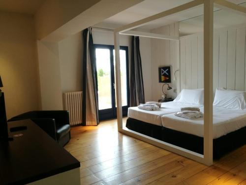 Habitación Superior con terraza y vistas al jardín - 2 camas individuales - Uso individual Hotel Trias 4