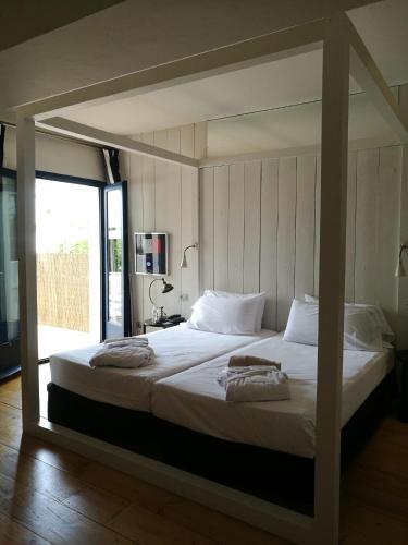 Habitación Superior con terraza y vistas al jardín - 2 camas individuales - Uso individual Hotel Trias 6