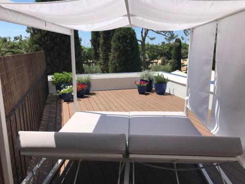 Habitación Superior con terraza y vistas al jardín - 2 camas individuales - Uso individual Hotel Trias 5