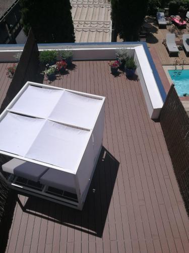 Habitación Superior con terraza y vistas al jardín - 2 camas individuales - Uso individual Hotel Trias 7