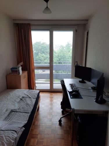Single room - - Hotel - Prilly