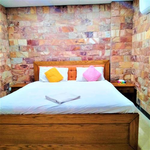 . Hotel Vista Inn DHA