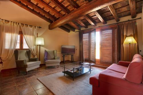Suite con bañera de hidromasaje y terraza  Hotel-Hostal Sport 10