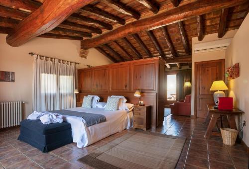 Suite con bañera de hidromasaje y terraza  Hotel-Hostal Sport 11