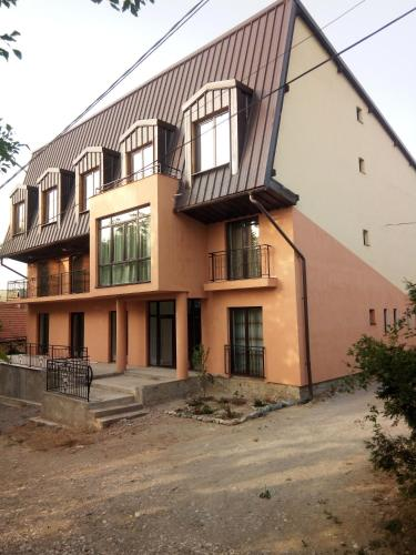 Casa Violeta - Accommodation - Socolari