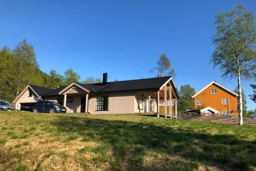 Modern Norwegian Cottage with stunning view - Hurdal
