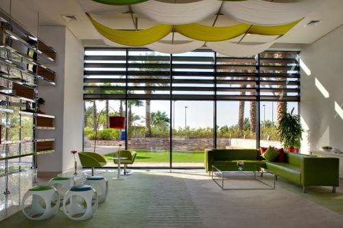 Park Inn by Radisson Abu Dhabi Yas Island photo 26