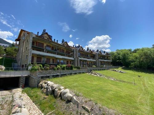 Agradable apartamento con jardín privado en Cerler - Apartment