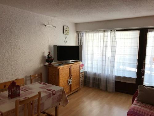 Appartement Montgenèvre, 1 pièce, 5 personnes - FR-1-445-32 - Apartment - Montgenèvre