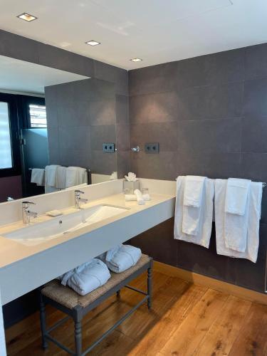 Premium Suite Hotel Mas La Boella 4