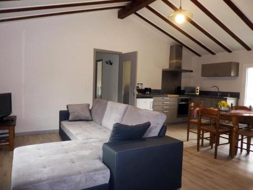 . Appartement Foix, 4 pièces, 5 personnes - FR-1-419-344