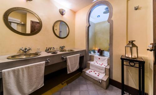 Queen Suite with Spa Bath Alcoba del Rey de Sevilla 12