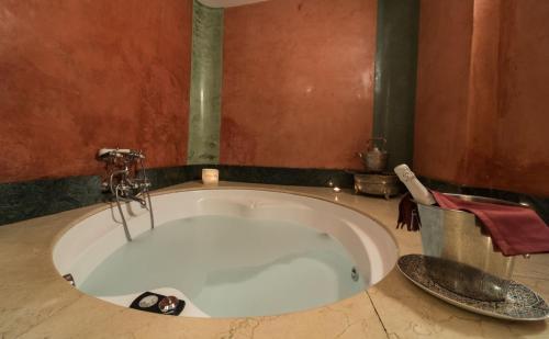 Queen Suite with Spa Bath Alcoba del Rey de Sevilla 14