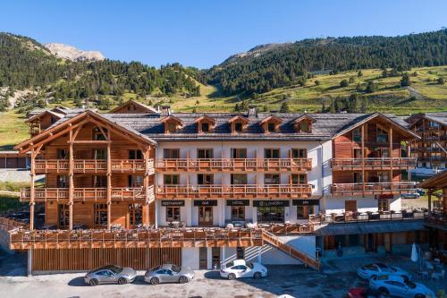 Le Chalet Blanc Hôtel & Spa - Hotel - Montgenèvre