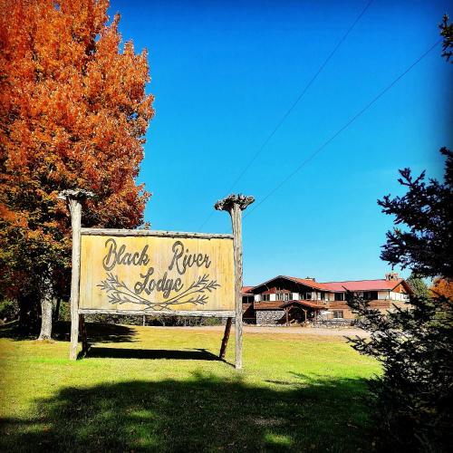 Black River Lodge - Accommodation - Ironwood