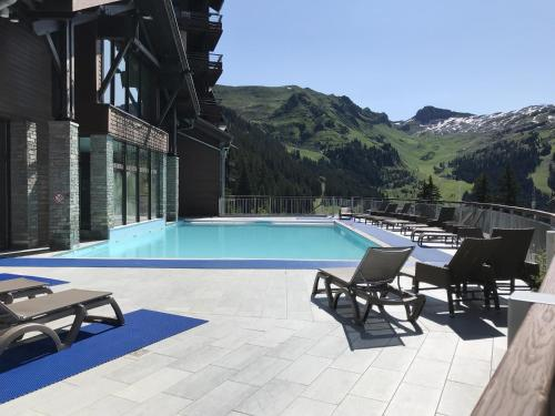 South-facing newly renovated 2-bed apartment Les Terrasses d'Eos Flaine
