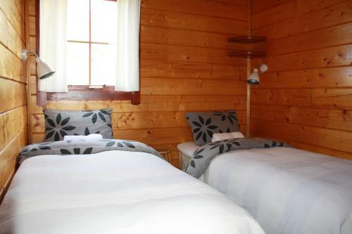 Tiny house cuddled into nature in Husavik - Hotel - Húsavík