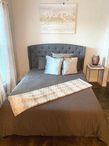 The Perfect Getaway!Modern Apt Close to UNT & TWU! - Apartment - Denton